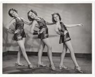 Gloria Normans dancers Ca 1937 Grace Moyle cen.